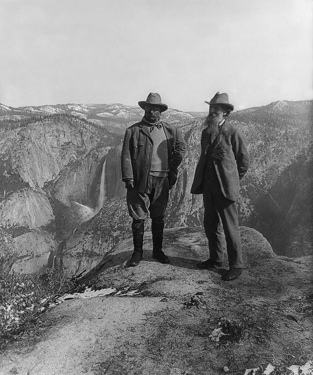 800px-Muir_and_Roosevelt_restored.jpg